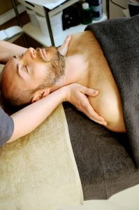 Massage moves Qi, assists acupuncture for depression