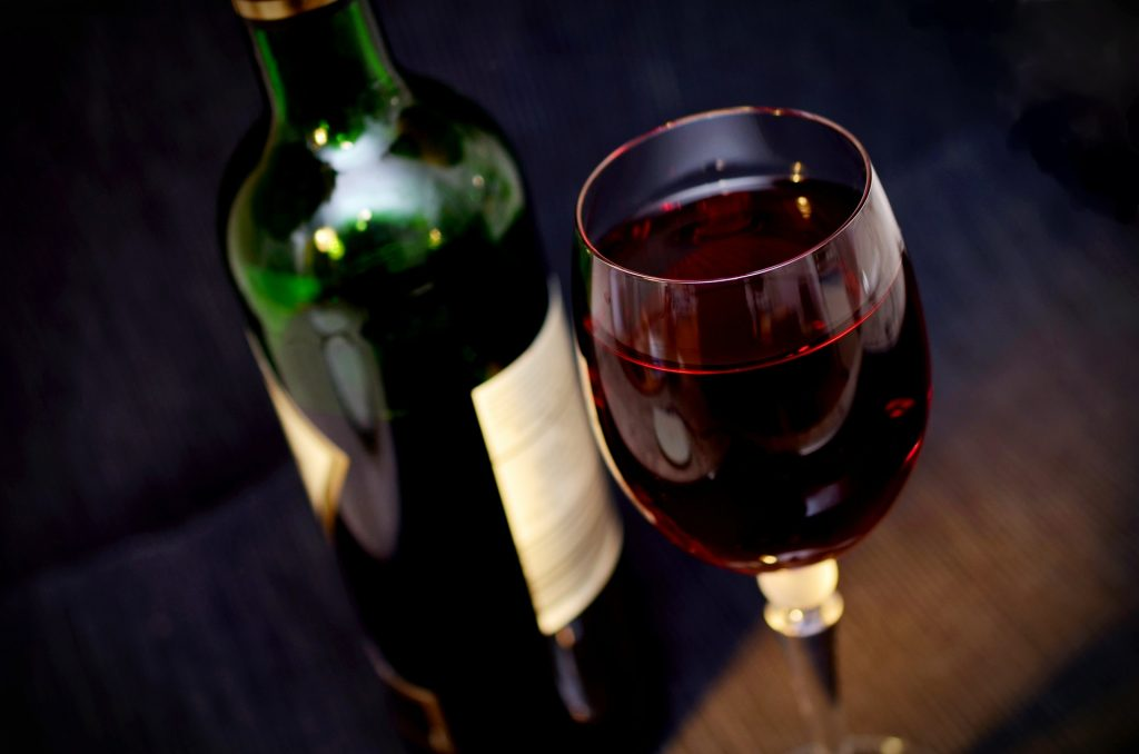 Wine, sometimes a contributor to food retention
