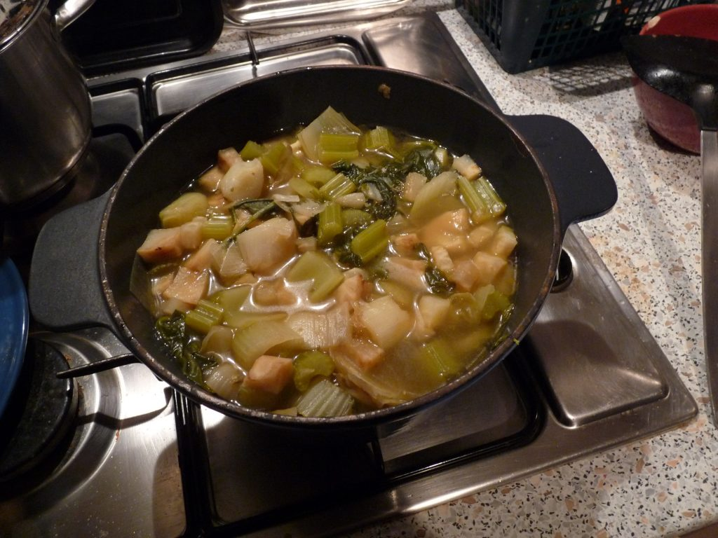 Celeriac soup helps stregthen you against Remaining pathogenic factors and may be a good food for covid 19 sufferors