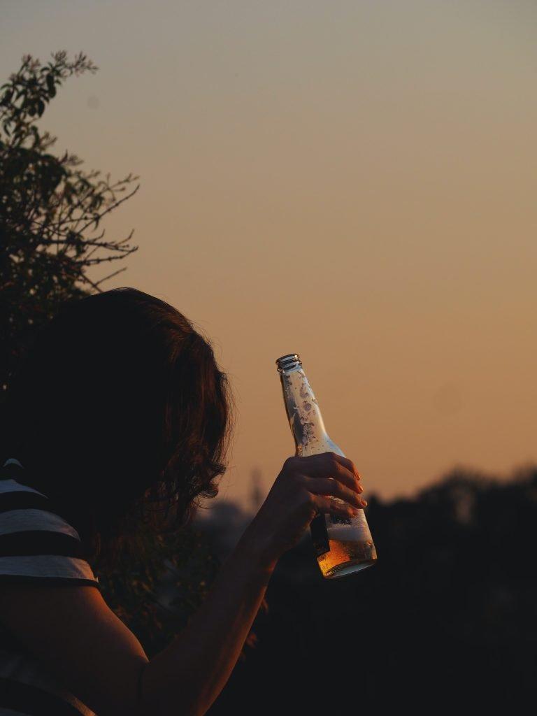 Iced beer - worsens Spleen Damp Cold!